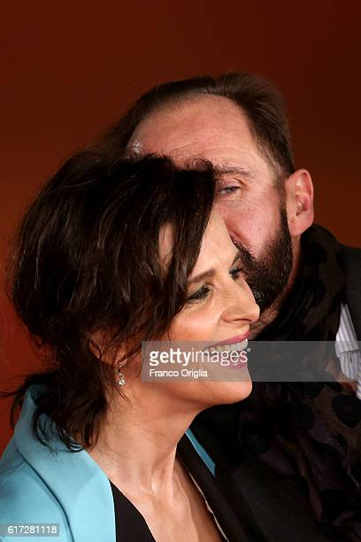 Ralph Fiennes and Juliette Binoche walk a red carpet for 'The English Patient - Il Paziente Inglese' during the 11th Rome Film Festival at Auditorium...
