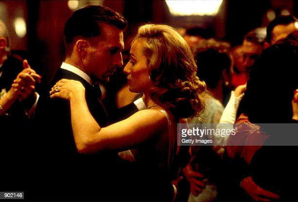 Ralph Fiennes and Kristin Scott Thomas on set of the film The English Pataint 11/01/96