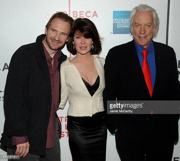 Ralph Fiennes Lara Flynn Boyle and Donald Sutherland