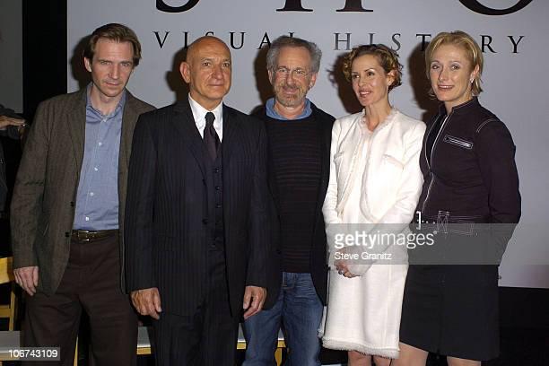 Ralph Fiennes,Sir Ben Kingsley,Steven Spielberg,Embeth Davidtz and Caroline Goodall