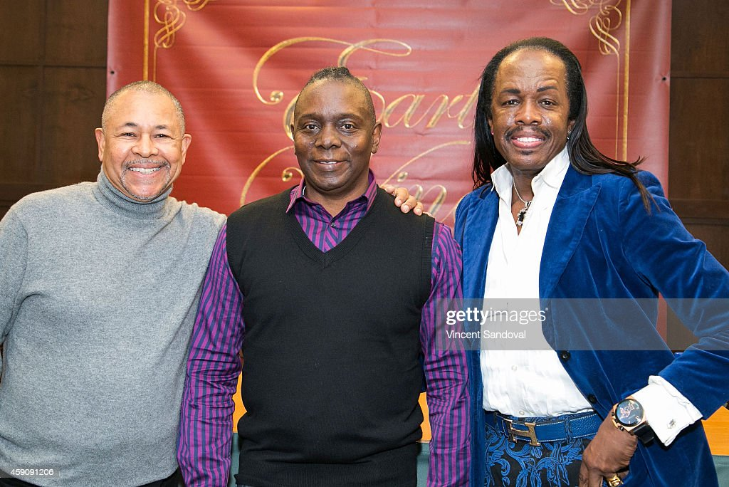 Earth, Wind & Fire Signs Copies Of Their New Holiday CD