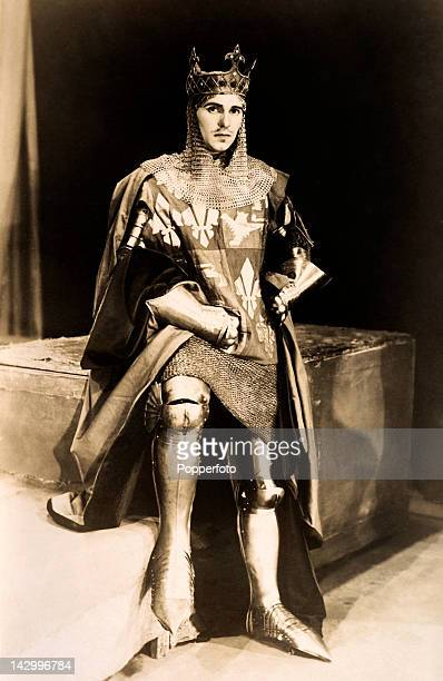 Ralph Richardson actor as Henry V at the Old Vic in London circa 1934