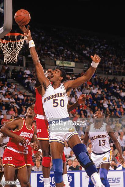 Ralph Sampson of the Golden State Warriors shoots during an NBA game in the 198889 season NOTE TO USER User expressly acknowledges and agrees that by...