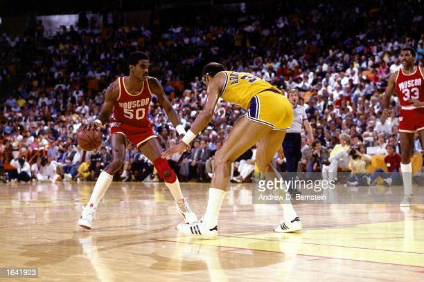 Ralph Sampson of the Houston Rockets drives during the 1985 NBA game against Kareem AbdulJabbar of the Los Angeles Lakers at the Forum in Los Angeles...