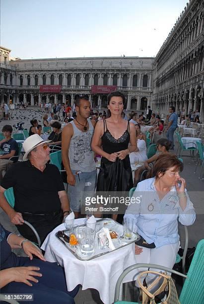 Ralph Siegel Ehefrau Kriemhild Jahn Maskenbildner Musikfilm Eine Nacht in Venedig mit K R I E M H I L D J A H N Venedig Italien Europa Cafe Floriani...