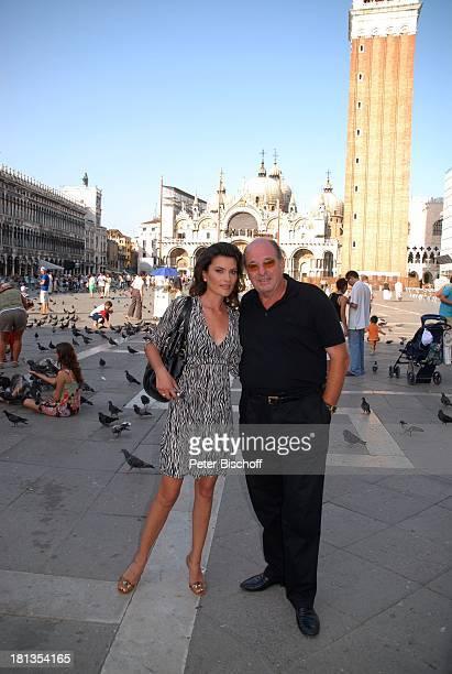 Ralph Siegel Ehefrau Kriemhild Jahn Musikfilm Eine Nacht in Venedig mit K R I E M H I L D J A H N Venedig Italien Europa Markusplatz Tauben Tier...