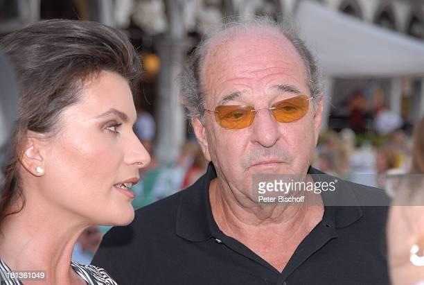 Ralph Siegel Ehefrau Kriemhild Jahn Musikfilm Eine Nacht in Venedig mit K R I E M H I L D J A H N Venedig Italien Europa Markusplatz Ehemann...