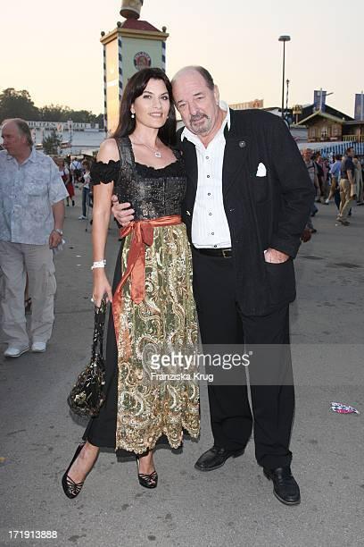 Ralph Siegel Mit Ehefrau Kriemhild Jahn Beim Wiesn Treff Der Mainstream Media Ag In Kufflers Weinzelt Auf Dem Oktoberfest In München