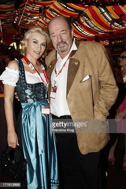 Ralph Siegel Und Ehefrau Kriemhild Beim Wies'NPromitreff 2010 Der Waz Gruppe Im Hippodorm Auf Dem Oktoberfest In München