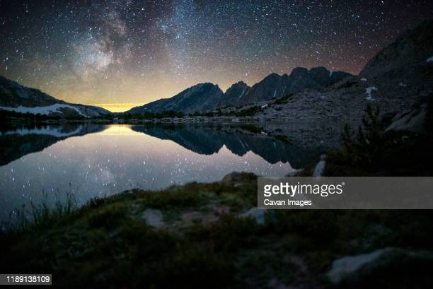 ram lakes basin at night - images of mammoth stock pictures, royalty-free photos & images
