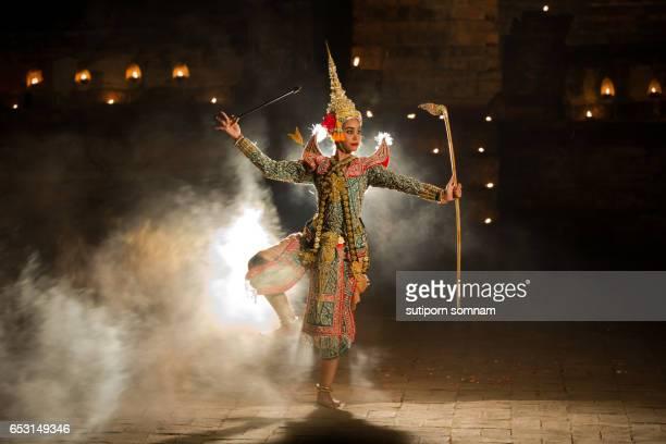 khon thai rama character in ramayana story  in thai literature - arte, cultura e espetáculo - fotografias e filmes do acervo