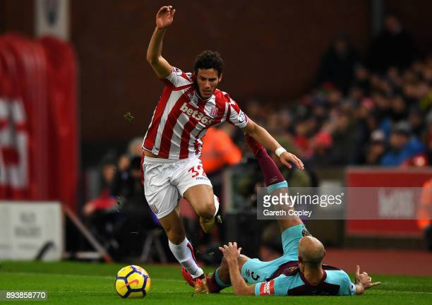 Ramadan Sobhi of Stoke City and Pablo Zabaleta of West Ham United battle for posession during the Premier League match between Stoke City and West...