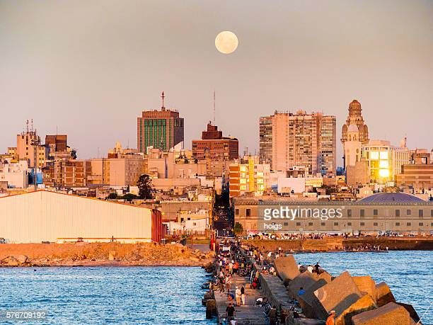 rambla in montevideo, uruguay - montevideo stock pictures, royalty-free photos & images