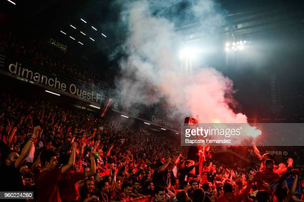 Rami Amir Selmane Bensebaini of Rennes celebrates the victory with fans during the Ligue 1 match between Stade Rennes and Montpellier Herault SC at...