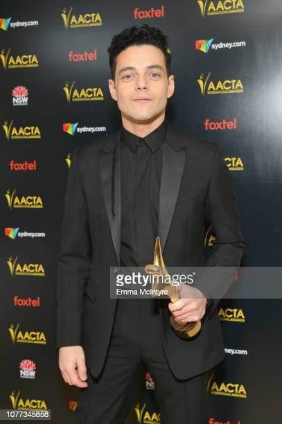 Rami Malek poses with the AACTA International Award for Best Lead Actor during the 8th AACTA International Awards at Avalon Hollywood on January 4...