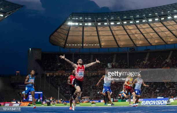 Ramil Guliyev of Turkey celebrates winning gold in the Men's 200m Final during day three of the 24th European Athletics Championships at...