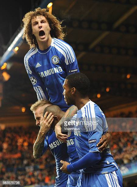 Ramires of Chelsea celebrates his goal with Raul Meireles David Luiz and Daniel Sturridge during the UEFA Champions League Group E match between...
