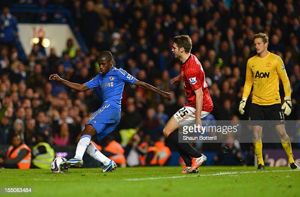 Ramires of Chelsea scores his goal during the Capital One Cup Fourth Round match between Chelsea and Manchester United at Stamford Bridge on October...