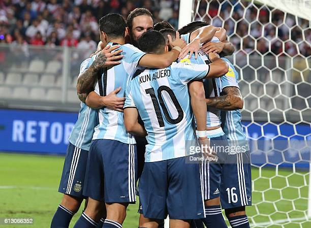 Ramiro Funes Mori of Argentina celebrates with teammates after scoring the first goal during a match between Peru and Argentina as part of FIFA 2018...