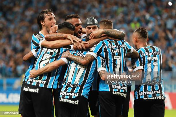 Ramiro of Brazil's Gremio celebrates with teammates after scoring against Paraguay's Cerro Porteno during their Copa Libertadores 2018 football match...