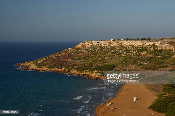 ramla bay, located on the northern side of the maltese island of gozo, view from calypso cave - ulysse photos et images de collection