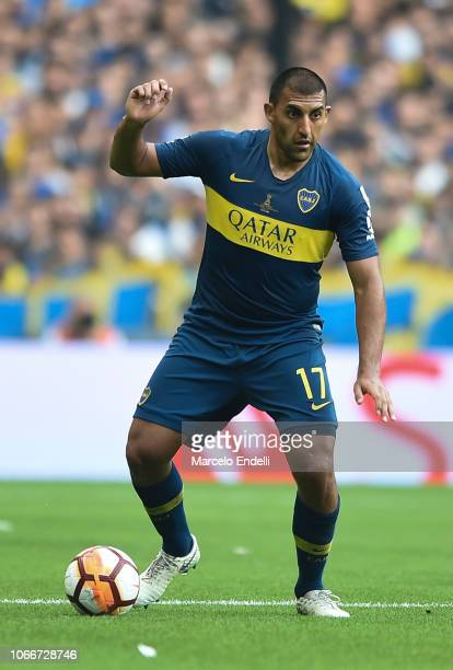 Ramon Abila of Boca Juniors drives the ball during the first leg match between Boca Juniors and River Plate as part of the Finals of Copa CONMEBOL...