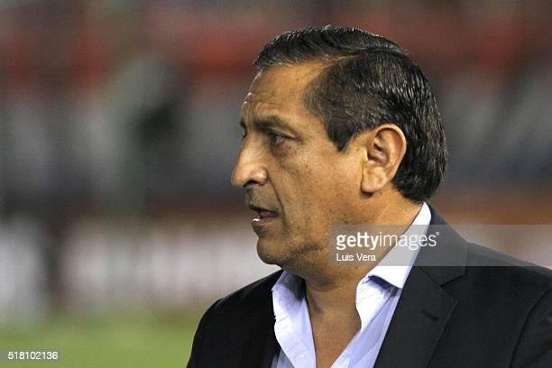 Ramon Diaz coach of Paraguay looks on during a match between Paraguay and Brazil as part of FIFA 2018 World Cup Qualifiers at Defensores del Chaco...
