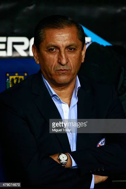 Ramon Diaz coach of Paraguay looks on during the 2015 Copa America Chile Semi Final match between Argentina and Paraguay at Ester Roa Rebolledo...