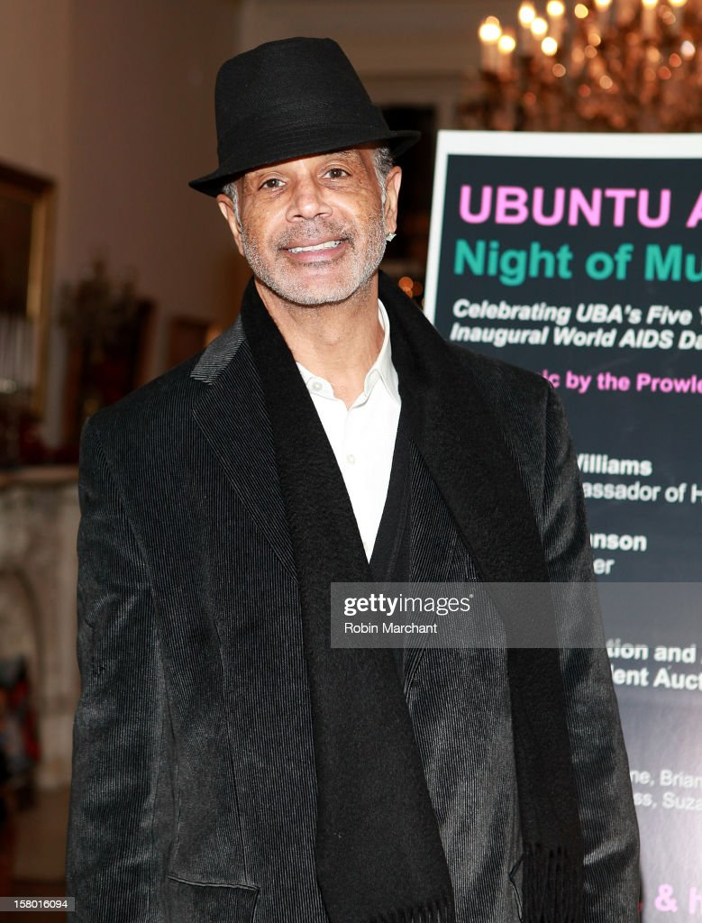 Ramon Hervey II attends Ubuntu Africa Worlds AIDS Day Benefit at Salmagundi Arts Club on December 8, 2012 in New York City.