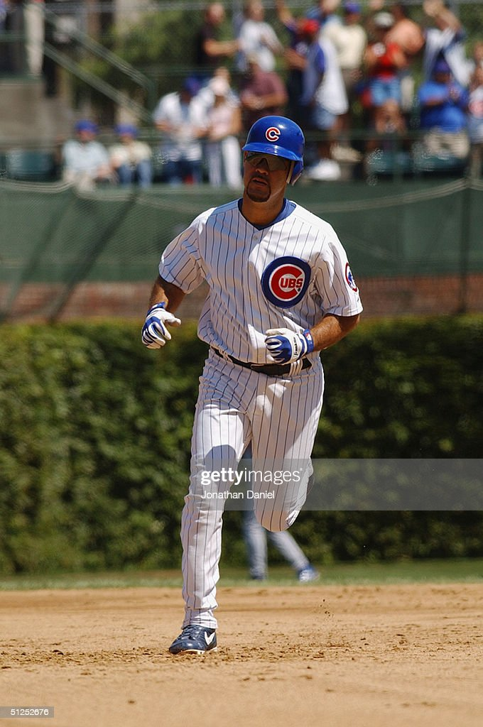 Ramon Martinez #6 of the Chicago Cubs runs during a game against the Los Angeles Dodgers on August 15, 2004 at Wrigley Field in Chicago, Illinois. The Dodgers defeated the Cubs 8-5.