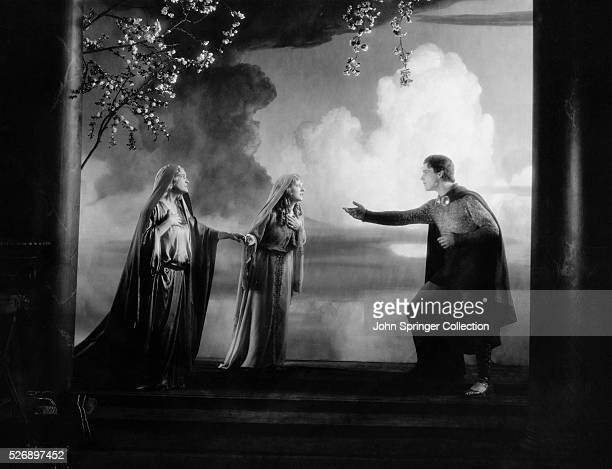 Ramon Novarro as BenHur Claire McDowell as Princess of Hur and May McAvoy as Esther in the 1925 film BenHur