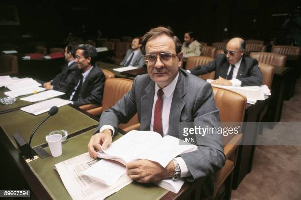 Ramon Tamames IU politician In a parliamentary board