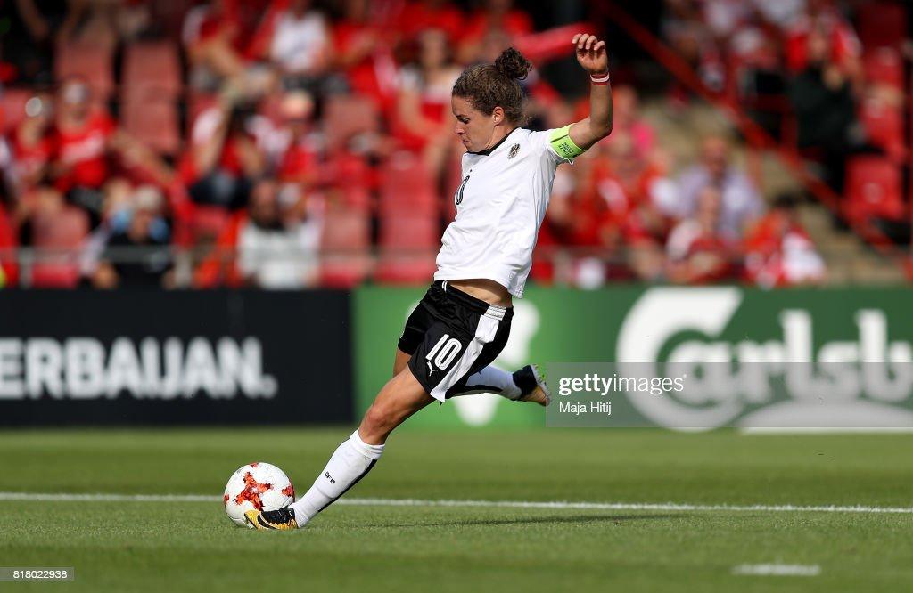 Austria v Switzerland - UEFA Women's Euro 2017: Group C : Photo d'actualité