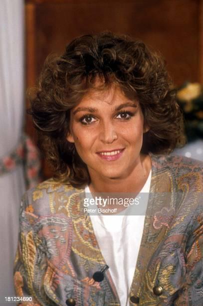 Ramona Leiß, Portrait, Schauspielerin, geb.: 07. Mai 1957, Sternzeichen: Stier, Porträt, Promis, Prominenter, Prominente, HD;
