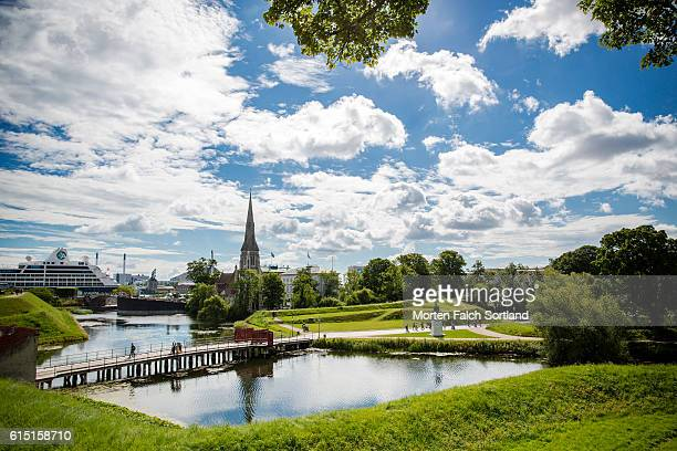 rampart and moat - copenhagen stock pictures, royalty-free photos & images
