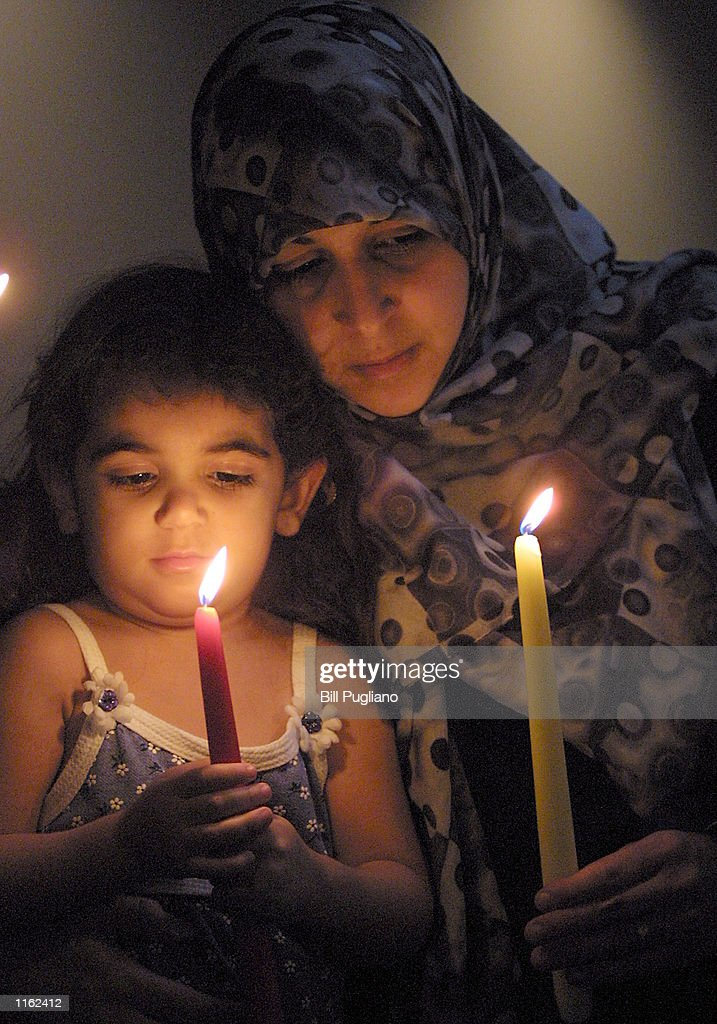 ISLAMIC CANDLELIGHT VIGIL : ニュース写真
