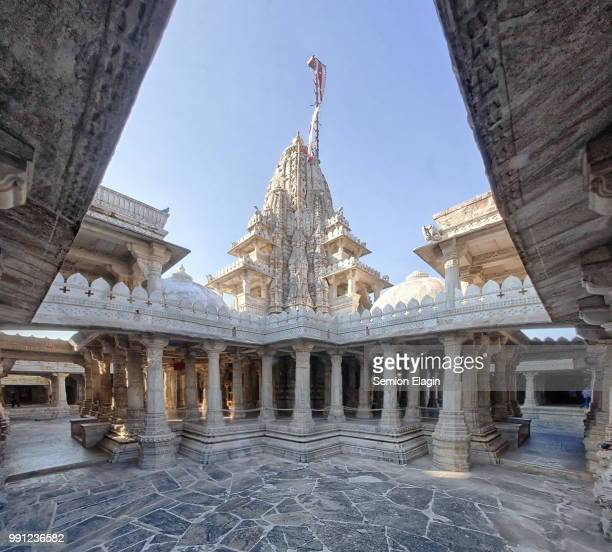 ranakpur jain temple, ranakpur, rajasthan - jain temple stock photos and pictures