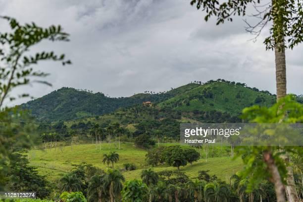 ranch in the anamuya mountains - dominican republic - paisajes de republica dominicana fotografías e imágenes de stock