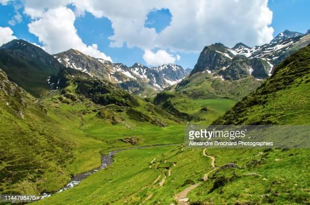 randonnée dans les pyrénées - pyreneeën stockfoto's en -beelden