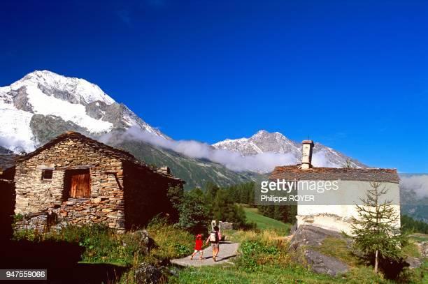 Village Of Le Monal Photos et images de collection | Getty Images