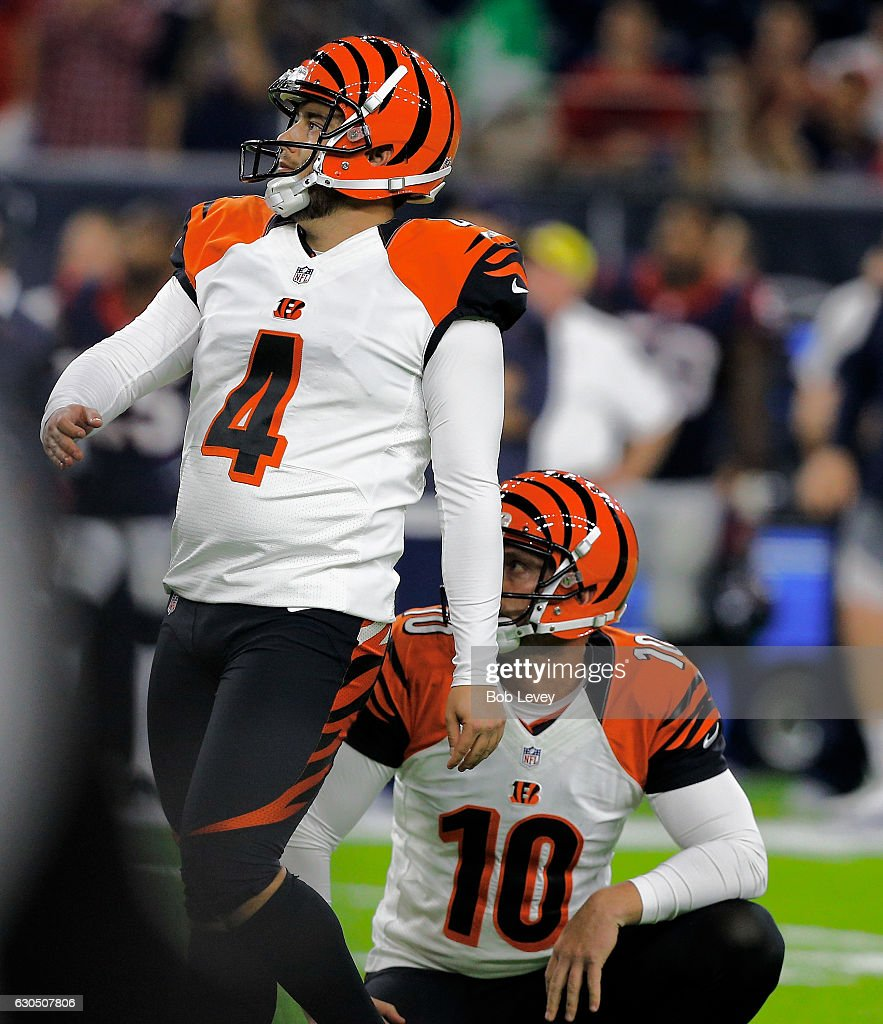 Randy Bullock #4 of the Cincinnati Bengals watches as he misses a 43 yard field goal in the closing seconds to give the Houston Texans a 12-10 win at NRG Stadium on December 24, 2016 in Houston, Texas.