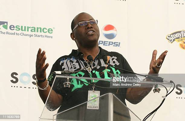Randy Jackson poses in the press room at the Live Earth New York Concert held at Giants Stadium on July 7, 2007 in East Rutherford, New Jersey