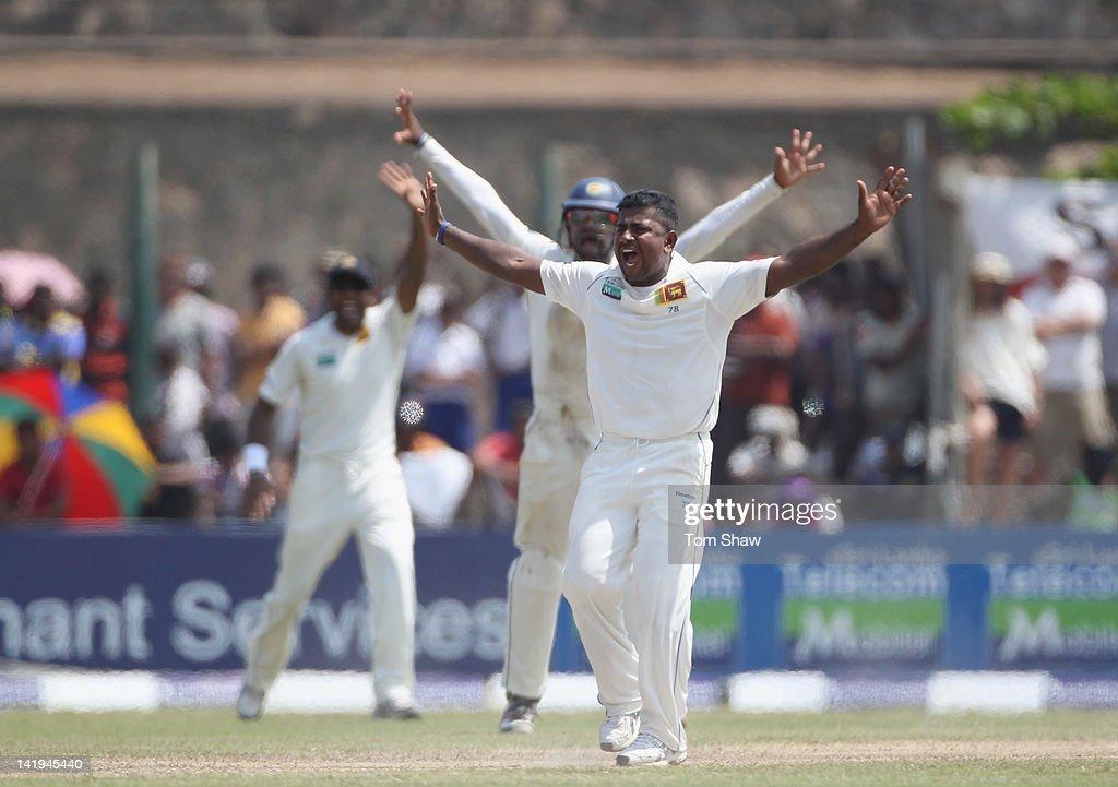 Sri Lanka v England: 1st Test - Day Two : News Photo