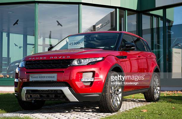 range rover evoque - range rover stock pictures, royalty-free photos & images
