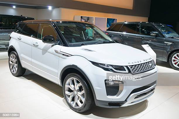range rover evoque suv - range rover stock pictures, royalty-free photos & images