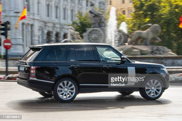range rover l405 - range rover stock pictures, royalty-free photos & images