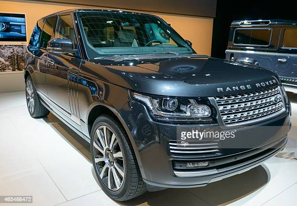 range rover offroad suv car - range rover stock pictures, royalty-free photos & images
