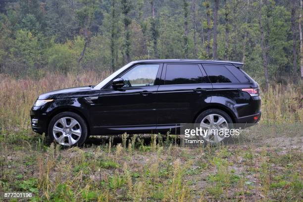 range rover sport hse hybrid on the grass - range rover stock pictures, royalty-free photos & images