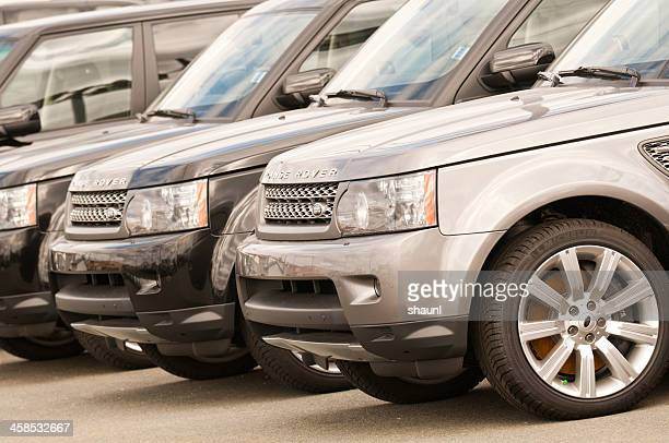 range rovers - range rover stock pictures, royalty-free photos & images