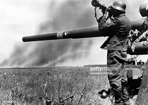 Range taker of a German antiaircraft battery observing an attack on Voronezh Voronezh July 1942